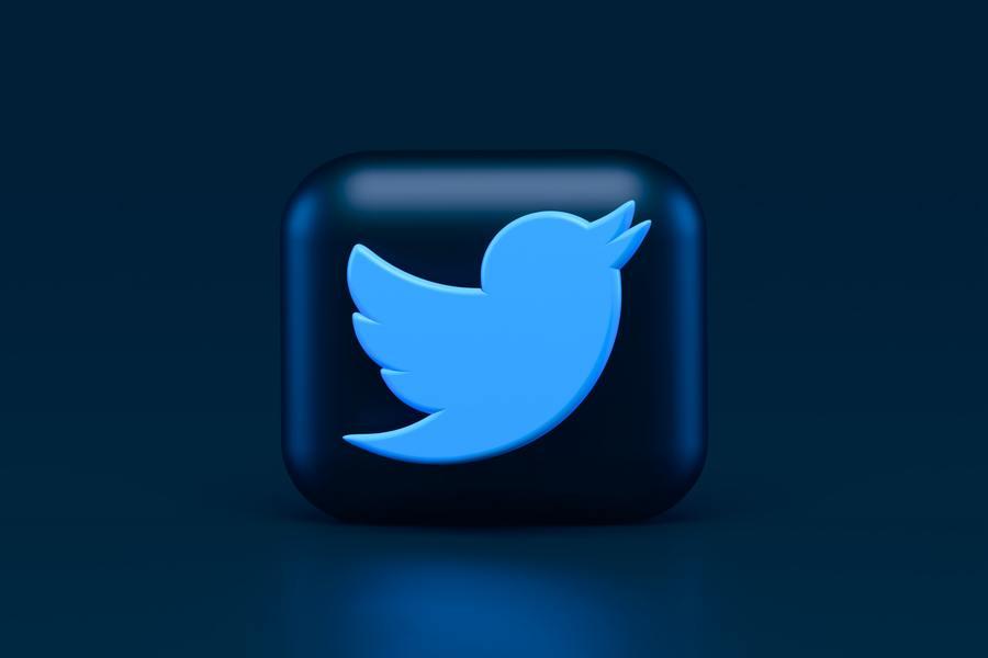 Socially - Twitter trial super follow